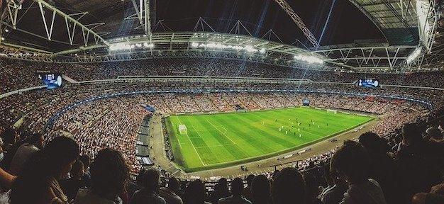 Fussball Beliebtheit in England und Deutschland bei den Fans - Online Casino Deutschland und Stadion