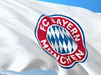 Flagge mit Logo des FC Bayern München